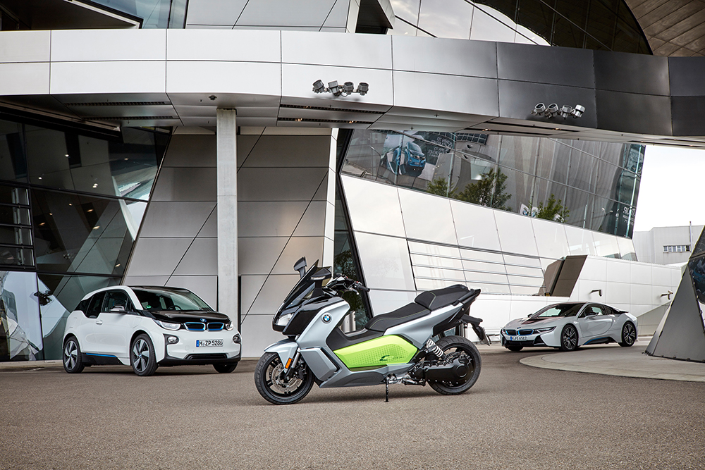 p90229590_highres_the-new-bmw-c-evolut
