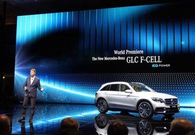 東京モーターショーでメルセデス・ベンツが燃料電池自動車「GLC F-CELL」を公開。