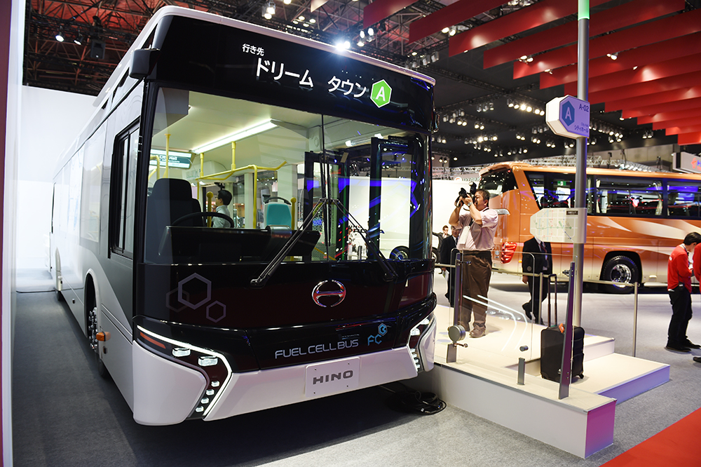 東京都が水素燃料電池車両を採用したBRTの運行決定を発表 ...