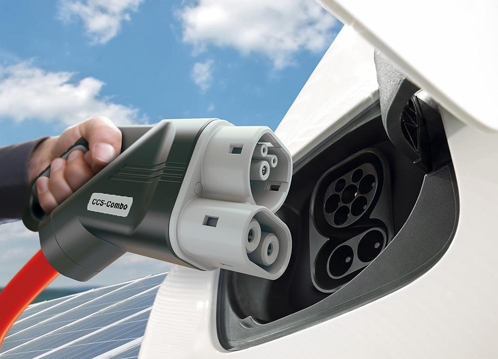 Weiterentwicklung des CCS Ladestandards für Elektrofahrzeuge auf bis zu 350 kW / Evolution of CCS charging technology for e-cars towards 350 kW